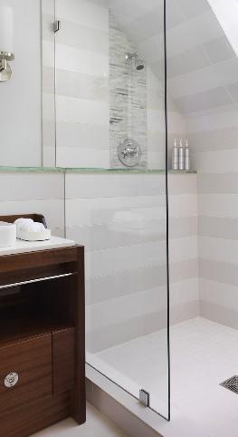 Zuhanyfal méretre