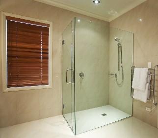 Épített, Egyedi üveg zuhanykabin, kádparaván, zuhanyfal, vasalatok ...